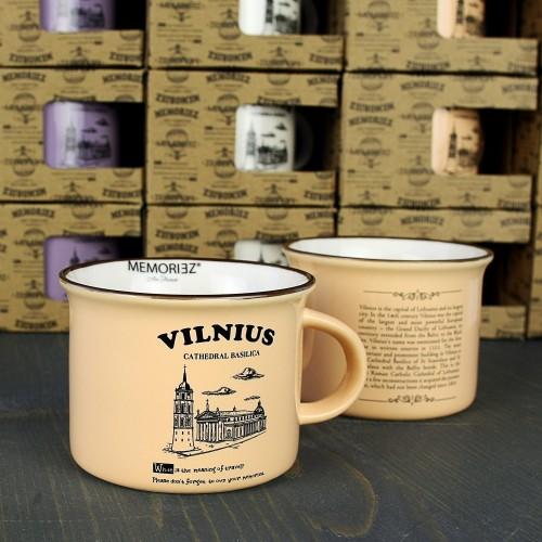 Mažas rusvos spalvos suvenyrinis puodelis Vilnius Arkikatedra 150ml