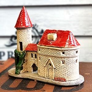 Rankų darbo keramikinis namelis žvakidė Vyrų Vartai Talinas